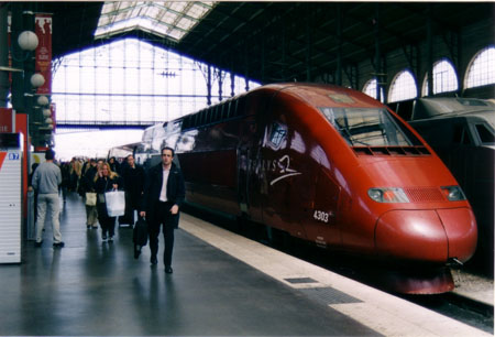 I took this picture inside the Gare du Nord in 2004. It's not possible to see 16 outgoing lines from one place, despite Brown's description.