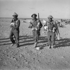 Members of 28 (Maori) Battalion in Egypt with rations or parcels from home. Photographer unknown. http://mp.natlib.govt.nz/detail/?id=22214&l=en