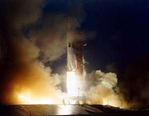 Apollo 12 lifting off. The SIV stage is the one just clear of the tower. Moments after this photo was taken, spacecraft and tower were hit by lightning. Photo: NASA http://www.hq.nasa.gov/ alsj/a12/ ap12-KSC-69PC-672.jpg