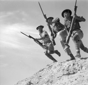 Members of 28 (Maori) Battalion training in the Western Desert, Egypt. Photographer unknown. http://mp.natlib.govt.nz/detail/?id=13063&l=en