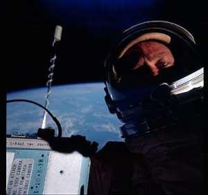 Gemini astronaut space-walking. Public domain, NASA, via Wikipedia.