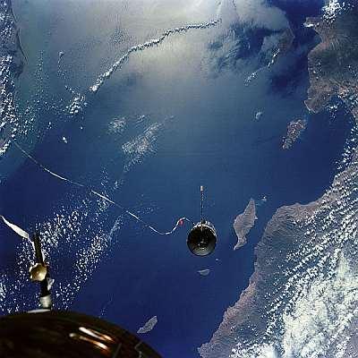 Agena target vehicle photographed from Gemini 11. Public domain, NASA, via Wikipedia.
