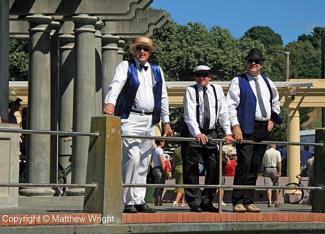 I don't know who these guys were, but they looked the part. Ties and waistcoats in 33 deg C heat - 91.4 deg F.