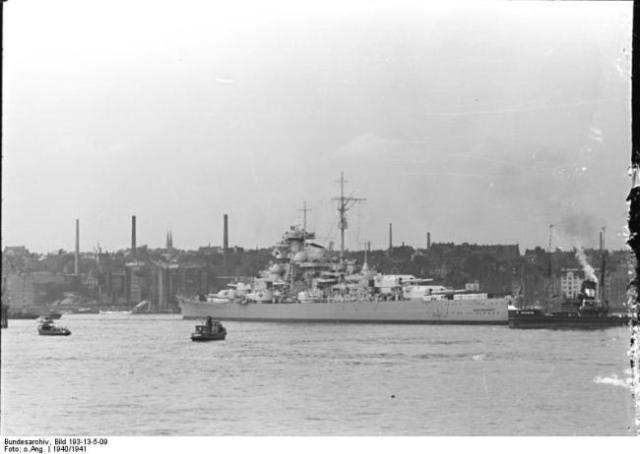 Bismarck soon after completion. Public domain, Bundesarchiv_Bild_193-13-5-09.