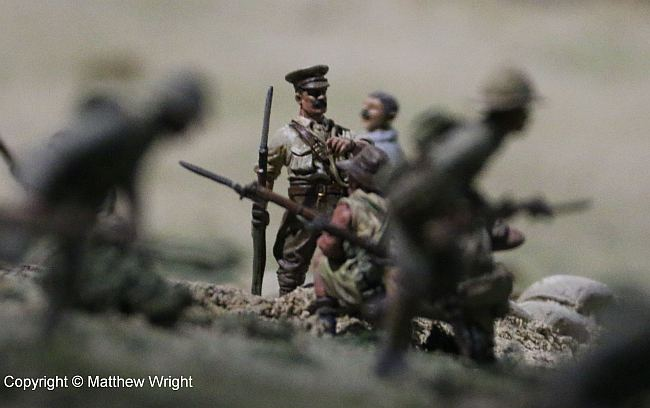 Here's Colonel William Malone - custom-modelled - just behind the ridge at Chunuk Bair. Another hand-held closeup I took with my zoom...