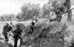 German Fallschirmjager (paratroopers) on Crete. 'German paratroops on Crete', URL: http://www.nzhistory.net.nz/media/photo/german-paratroopers-crete, (Ministry for Culture and Heritage), updated 15-Jul-2013