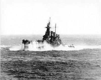 USS North Carolina in heavy seas, 1944. Public domain, via Wikipedia.