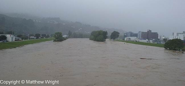wright_hutt-river-flood-2016